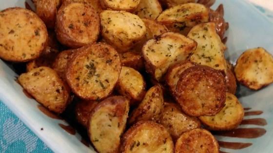 air fryer garlic and parsley baby potatoes