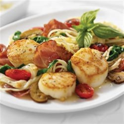 angel hair pasta and scallops with margherita® prosciutto