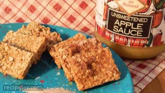 Applesauce Oatmeal Bites