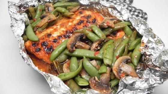 asian salmon foil-pack dinner