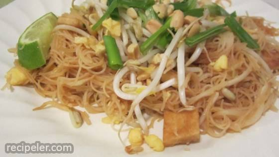 Authentic Pad Thai Noodles