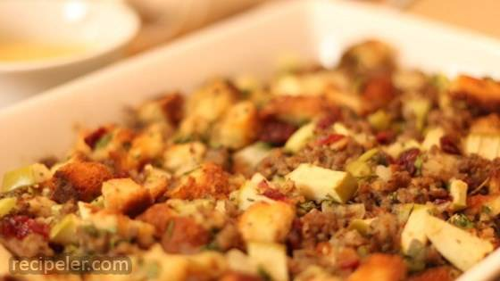 Awesome Sausage, Apple and Cranberry Stuffing