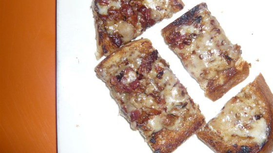 bacon-cheese appetizer toasts