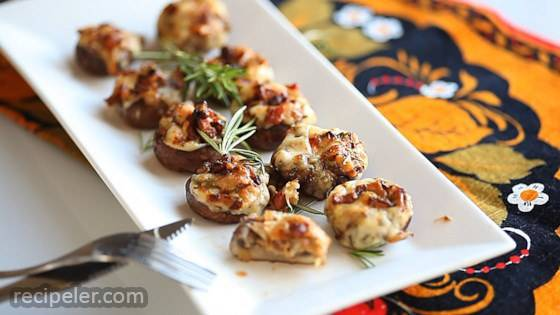 Bacon Rosemary Stuffed Mushrooms