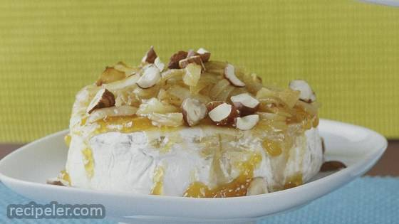 Baked Brie with Caramelized Onions and Hazelnuts