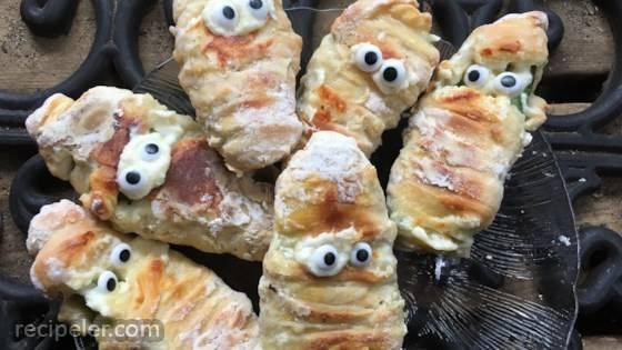 Baked Mummy Jalapeno Poppers