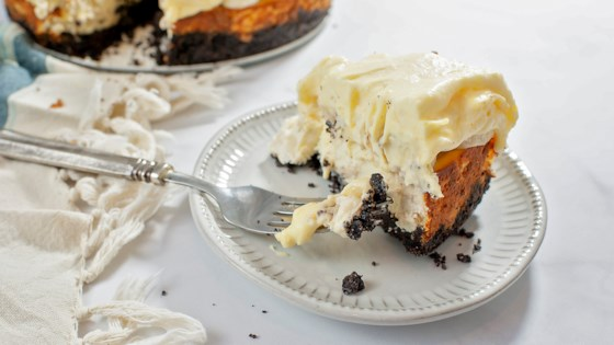 banana cheesecake with banana cream pie topping