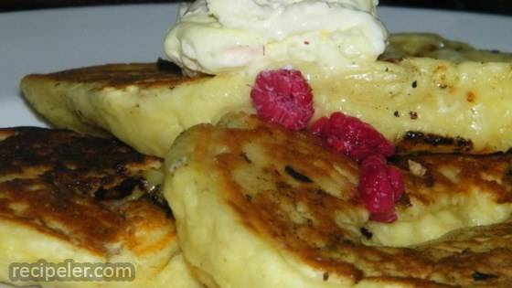 Banana-White Chocolate Pancakes