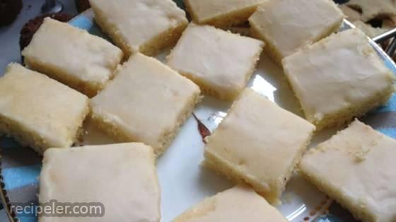 Best Lemon Sheet Cake With Lemon Glaze
