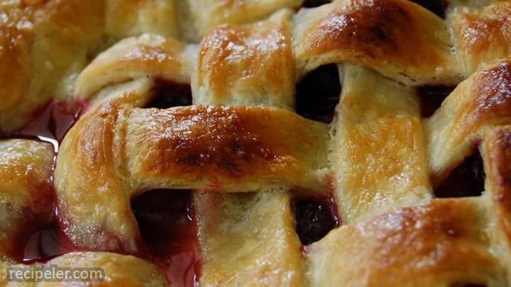 Blackberry And Blueberry Pie