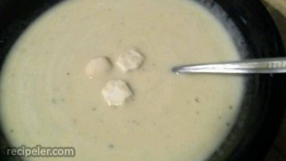 Bubbly Beer Cheese Soup
