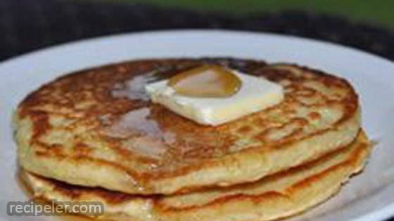 Buttermilk Pancakes with Vanilla and Nutmeg