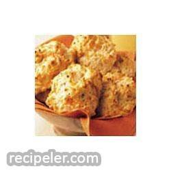 Cheddar and Roasted Garlic Biscuits