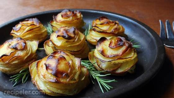 Chef John's Potato Roses