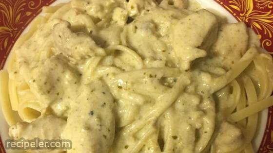 Chicken Alfredo Pesto Pasta