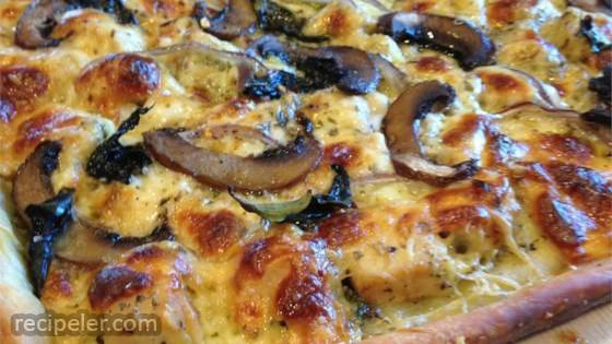Chicken and Gorgonzola Pizza