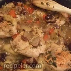Chicken with Sausage and Dried Fruit