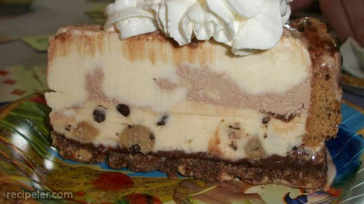 chocolate chip cookie ce cream cake