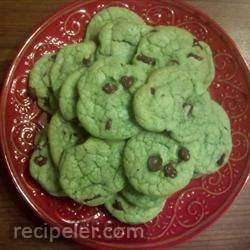 Chocolate Chip Cookies with Peppermint Extract