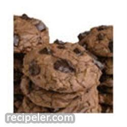 Chocolate Fudge Chunky Cookies