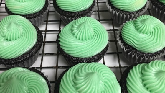 chocolate guinness® cupcakes with rish cream frosting