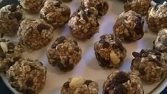 Chocolate Peanut Raisin Bites