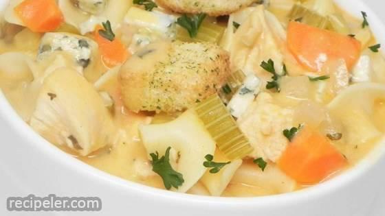 Creamy Buffalo Chicken Noodle Soup