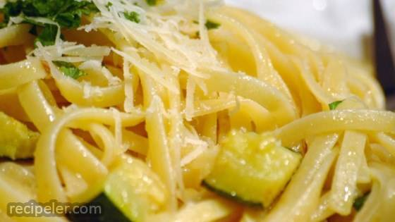 Creamy Zucchini with Linguine