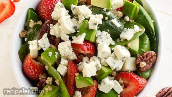Crumbly Gorgonzola Strawberry Quinoa Salad