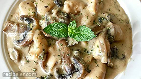 Delicious Chicken and Mushroom Casserole