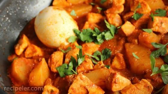 Doro Wat: Ethiopian Chicken Dish
