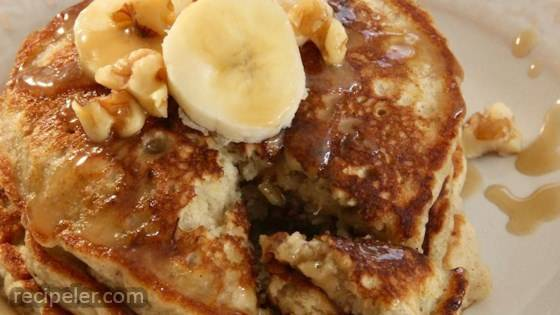 Easy Banana Nut Pancakes