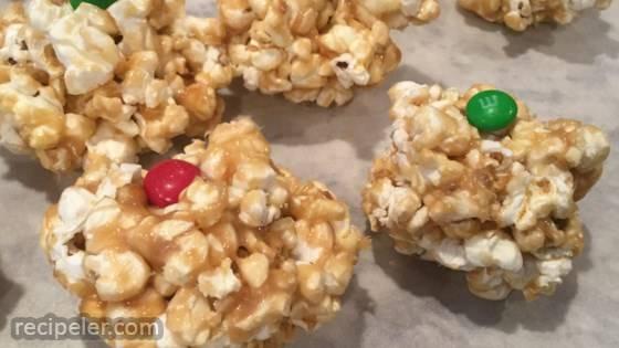 Easy Caramel Popcorn Balls