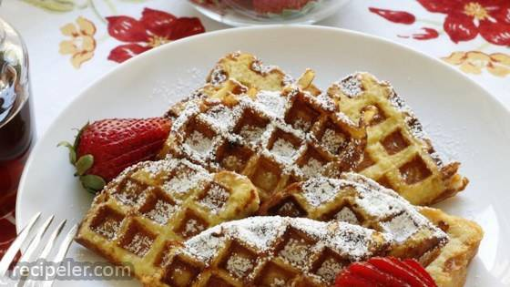 Easy French Toast Waffles