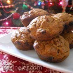 Easy Pumpkin Cinnamon Chip Muffins