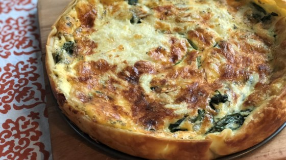 easy spinach and gouda cheese quiche