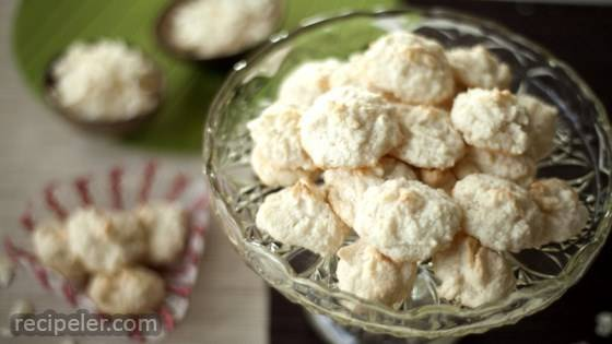 Easy Three-ngredient Gluten-Free German Christmas Coconut Cookies