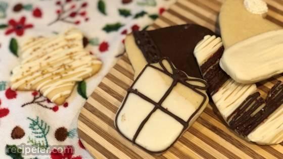 Easy Vegan Christmas Sugar Cookies