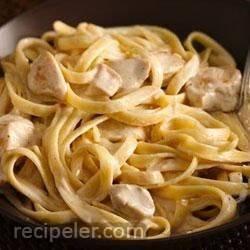 Easy Weeknight Creamy Chicken Alfredo