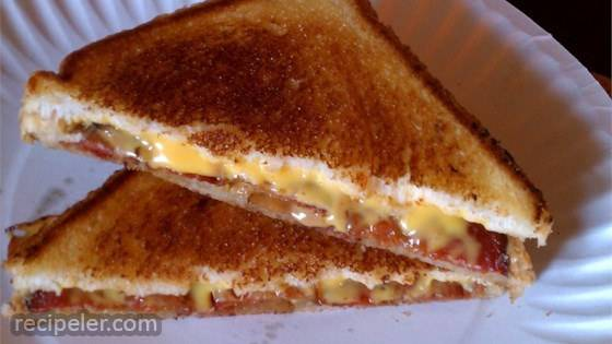 Elvis' Grilled Cheese Sandwich