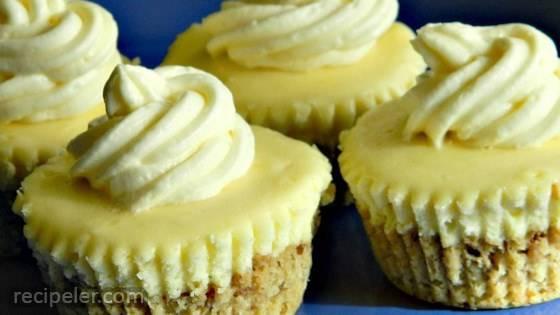 Gluten-Free Cheesecake Cupcakes