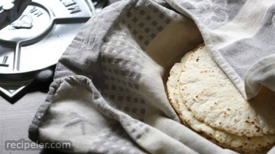 Gluten-Free Corn Tortillas with 3 ngredients