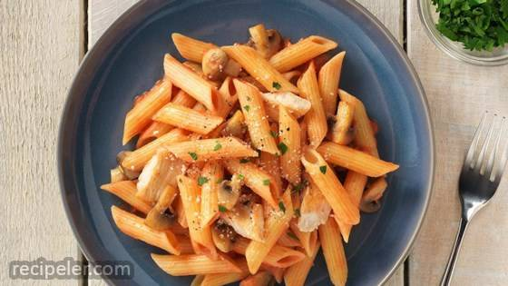 Gluten Free Penne with Chicken and Vodka Sauce