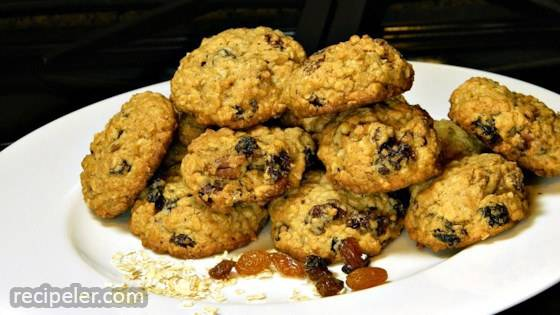 Gluten-Free Raisin Oatmeal Cookies