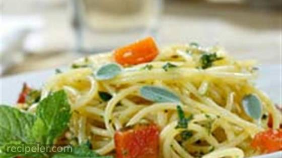 Gluten Free Spaghetti with Diced Potatoes, Roasted Peppers & Aromatic Herb Pesto
