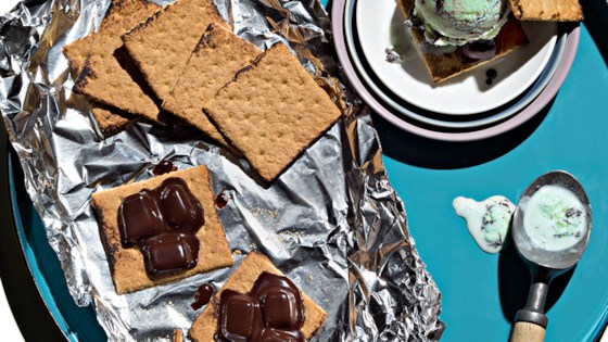 grilled s'mores ce cream sandwiches from reynolds wrap®