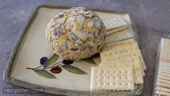 Hannah's Cheese Ball