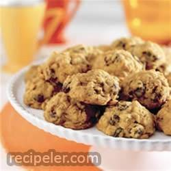 harvest pumpkin-oatmeal raisin cookies