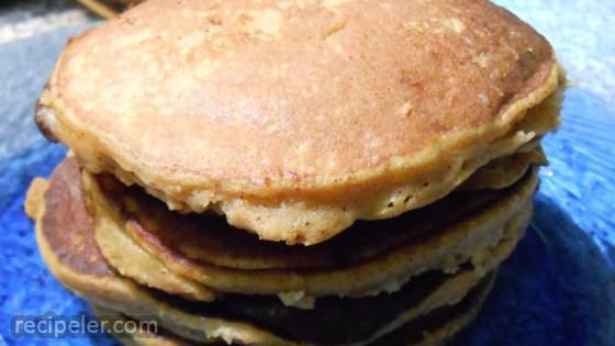 Healthy Pumpkin Banana Pancakes (Paleo Option)