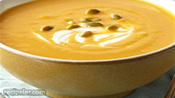 Hearty Pumpkin-White Bean Soup